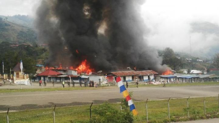 Kerusuhan di Tolikara. Sumber foto: Radio Elshinta